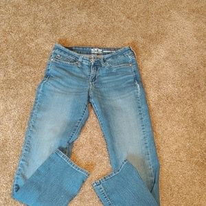 Levis signature modern straight size 4/27